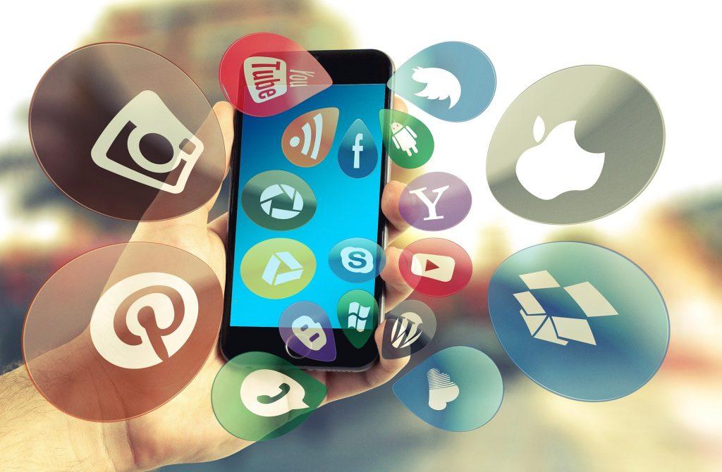 lleticia-social-media-brain
